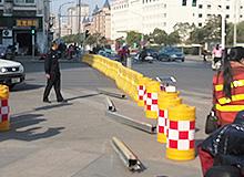 青阳路南北大桥改造正式封路,请过往车辆绕行!